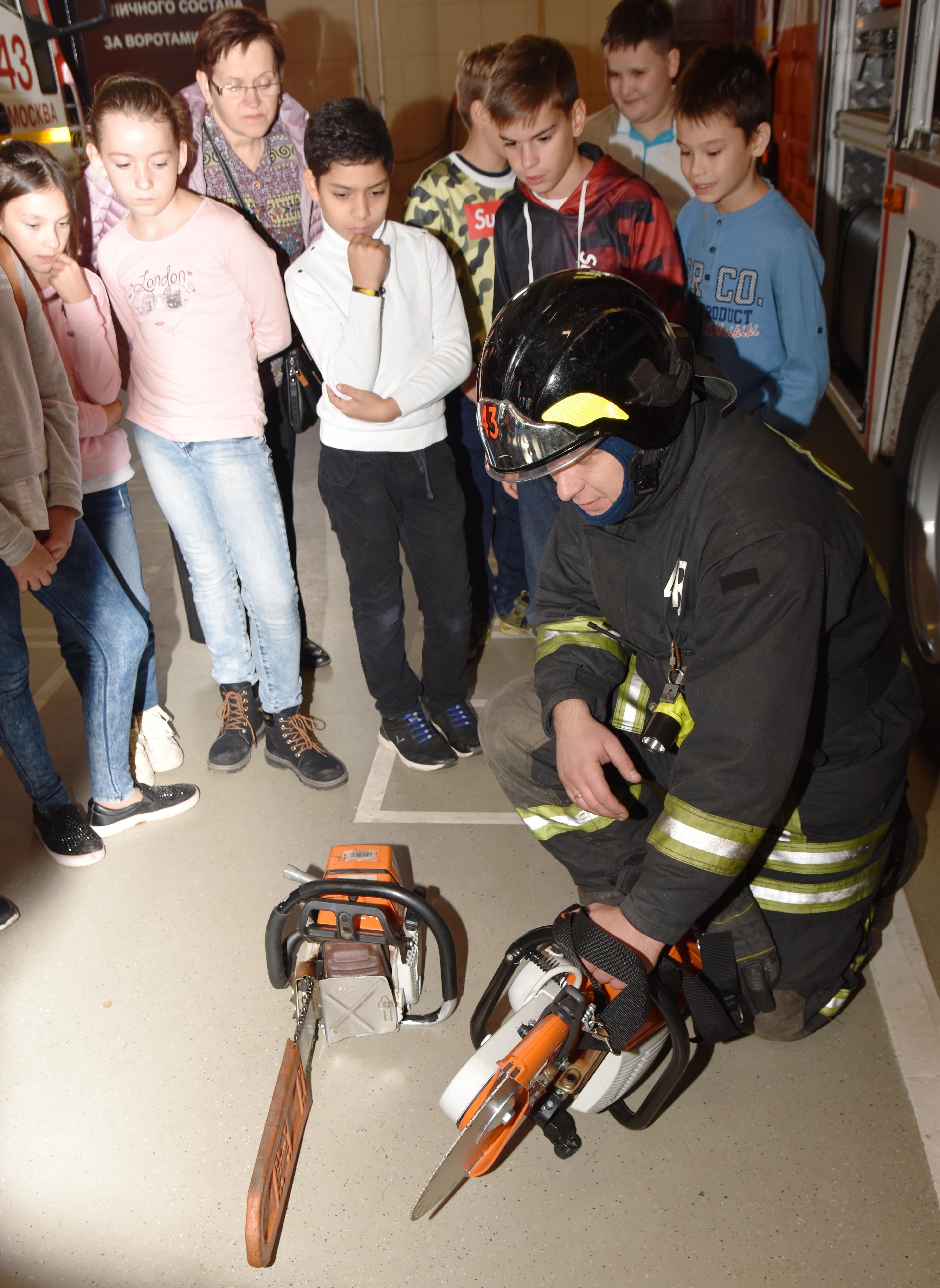 Этими инструментами пожарные, если в этом будет необходимость, могут проникнуть на любой объект возгорания